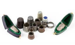 Sale 9190E - Lot 33 - A quantity of thimbles, including some in case