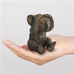Sale 9174JM - Lot 5068 - GILLIE AND MARC Kevin the Koala feels shy bronze sculpture ed. 15/100 10 x 8 x 10 cm inscribed
