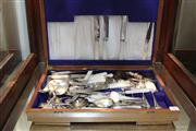 Sale 8327 - Lot 96 - Vintage Grosvenor Cutlery Canteen & Antique Carved Meerschaum Pipe of a Claw (fault)