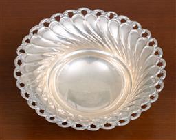 Sale 9140H - Lot 84 - A tri footed 925 silver bon bon dish, Diameter 15.5cm, Weight 92g