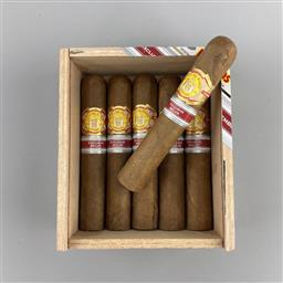 Sale 9250W - Lot 770A - El Rey del Mundo Choix de Roi Cuban Cigars - 2016 Regional Edition for Belgium & Luxembourg (partial box 6/10)