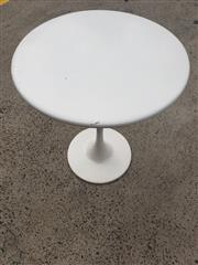 Sale 8962 - Lot 1085 - Modern Round Top Tulip Table (H:72 x D:61cm)