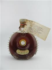 Sale 8367 - Lot 714 - 1x Remy Martin Louis XIII Very Old Grande Champagne Cognac - old bottling, some evaporative losses, Baccarat Crystal decanter with...