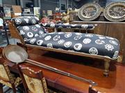 Sale 8700 - Lot 1019 - Edwardian Chaise