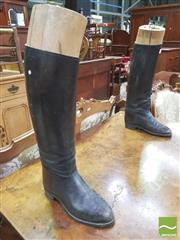 Sale 8428 - Lot 1032 - Nice Pair of Ladies Leather Riding Boots, with shoe lasts