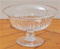 Sale 9090H - Lot 4 - A good cut crystal footed fruit bowl, Height 13cm x Diameter 21cm