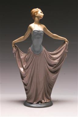 Sale 9138 - Lot 8 - A Lladro Figure of a Princess (H:31cm)