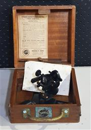 Sale 8976N - Lot 308 - Trade Mark SIRIUS Esdaile Azimuth Reflector Sextant in Timber Case (Case - h:200 x w:200 x d:200mm)