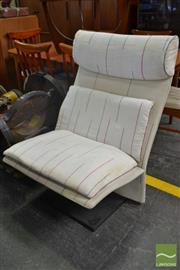 Sale 8550 - Lot 1010 - Vintage Saporiti Italia Lounge Chair