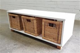 Sale 9108 - Lot 1093 - Shabby chic drawer unit (h32 x w90 x d35cm)