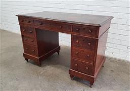 Sale 9129 - Lot 1063 - Oak twin pedestal desk (h:78 x w:121 x d:61cm)
