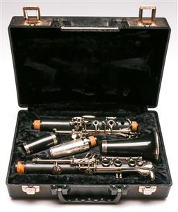 Sale 9136 - Lot 20 - Elkhart cased clarinet (4001)