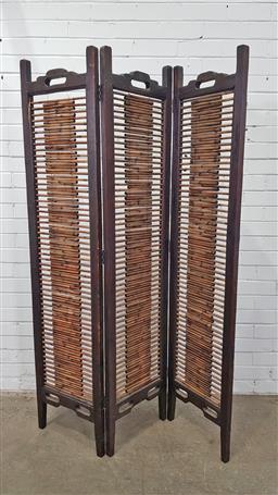 Sale 9157 - Lot 1019 - Timber & cane 3 panel room divider (h:180 w:123cm)