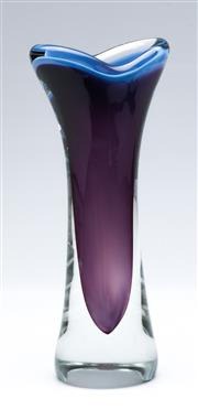 Sale 9090 - Lot 66 - Sommerso art glass vase, marked to base (H21cm)