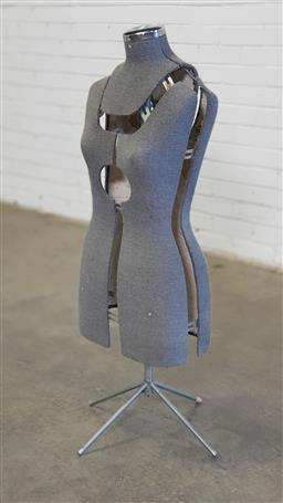 Sale 9154 - Lot 1031 - Adjustable dress makers mannequin (h:110cm)