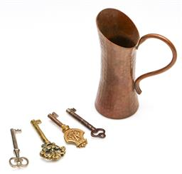 Sale 9246 - Lot 60 - A beaten copper pouring vessel (H:12cm) together with five vintage keys