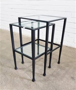 Sale 9112 - Lot 1060 - Nest of 2 metal based tables (h:61 x w:31 x d:36cm)