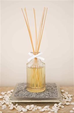 Sale 9240L - Lot 75 - Diffuser Set - Vanilla Scent - Laguiole Maison by Louis Thiers