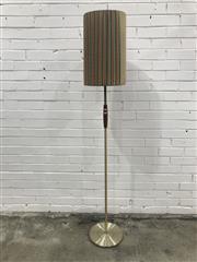 Sale 9056 - Lot 1080 - Brass Floor Lamp with Teak High Light (h:175cm)