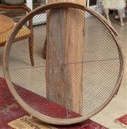 Sale 9060H - Lot 15 - An old sieve. Diameter 50cm