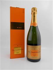 Sale 8514 - Lot 1748 - 1x 2002 Veuve Cliquot Ponsardin Vintage Brut, Champagne - in box