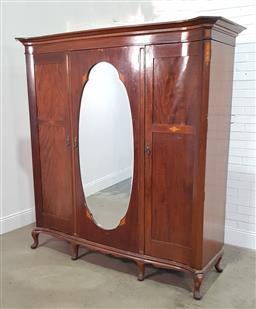 Sale 9191 - Lot 1070 - An Edwardian mirrored front Wardrobe (H 210cm W 200cm D 70cm)