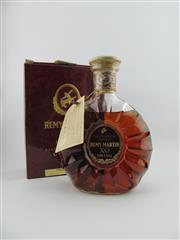 Sale 8353 - Lot 615 - 1x Remy Martin XO Cognac - old bottling in box, some evaporative losses