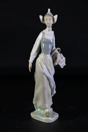Sale 8994 - Lot 91 - Lladro figure of a lady (H25.5cm)