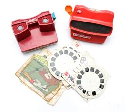 Sale 9090 - Lot 34 - Vintage VIEW MASTERS x 2 and selection of reels inc wild life and cartoons
