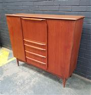 Sale 9056 - Lot 1036 - Vintage Teak Highboard with 3 Central Drawers (h:119 x w:139 x d:42cm)