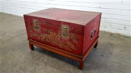 Sale 9157 - Lot 1026 - Oriental lift top trunk on stand (h:52 x w:82 x d:44cm)