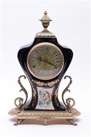 Sale 9023O - Lot 588 - Golden Crown porcelain gilt decorated mantle clock (H35cm)