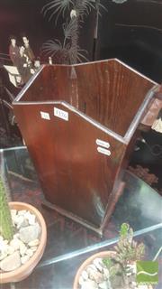 Sale 8447 - Lot 1029 - 19th century pine baguette holder