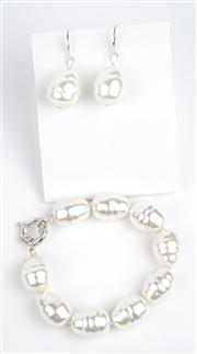 Sale 8477A - Lot 99 - A SHELL BASED SPANISH PEARL BRACELET WITH MATCHING STERLING SILVER EARRINGS: bracelet composed of 20mm pearls.