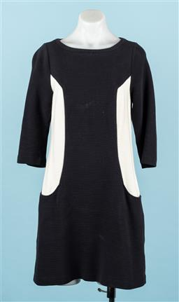Sale 9092F - Lot 39 - A BODEN BLACK AND WHITE OTTOMAN SHIFT KNEE LENGTH DRESS, Ribbed texture. Exposed zip. Hidden pockets. Size UK10 Petite.