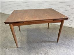 Sale 9134 - Lot 1050 - Vintage teak extension leaf dining table (h:76 l:121 w:91cm)