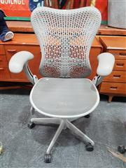 Sale 8822 - Lot 1026 - Herman Miller Mirra Office Chair