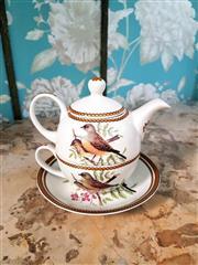 Sale 8500A - Lot 70 - A Tea for One porcelain set with bird motif- Condition: As New - Measurements: 17cm wide x 16cm high