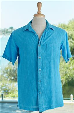 Sale 9120K - Lot 96 - A Tori Richard aqua blue, linen short sleeve button up shirt, Size mens Small