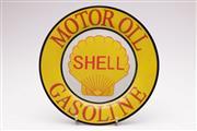 Sale 9052 - Lot 30 - German Porcelain Shell Motor Plate D:27cm