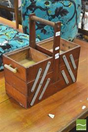 Sale 8392 - Lot 1072 - Vintage Sewing Box