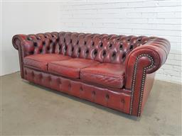 Sale 9157 - Lot 1001 - Chesterfield 3 seat lounge (h69 x w190 x d91cm)
