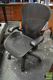 Sale 8511 - Lot 1081 - Herman Miller Aeron Office Chair