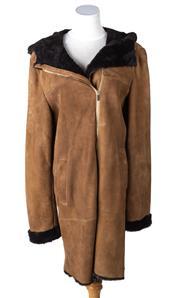 Sale 8550F - Lot 64 - An Italian mocha sheep skin leather coat, chocolate coloured lining, full length zip, and hood, size L.