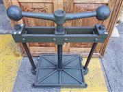 Sale 8723 - Lot 1025 - Large Cast Iron Vintage Book Press
