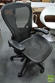Sale 8511 - Lot 1053 - Herman Miller Aeron Office Chair