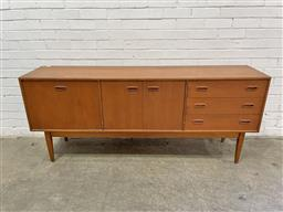 Sale 9134 - Lot 1001 - Vintage Teak sideboard with three doors & drawers (h:77 x w:181 x d:40cm)