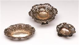 Sale 9122 - Lot 55 - Matched Set of Three Hallmarked English Sterling Silver Dishes with Pierced Galleries (Largest Width 13cm)