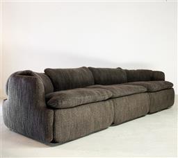 Sale 9252AD - Lot 5017 - ALBERTO ROSSELLI CONFIDENTIAL MODULAR SOFA FOR SAPORITI ITALIA, 1972: statement 3-peice modular sofa with interlocking cloud-like cu...