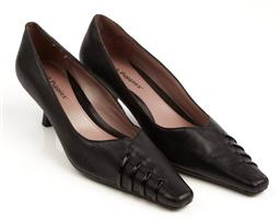 Sale 9092F - Lot 44 - A PAIR OF BLACK HUSH PUPPIES KITTEN HEEL; style Mandy, size 6.5C.